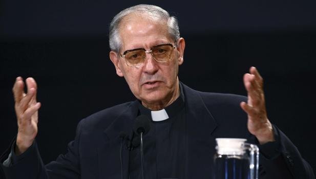 El sacerdote paletino Adolfo Nicolás Pachón comunicó su renuncia en 2014