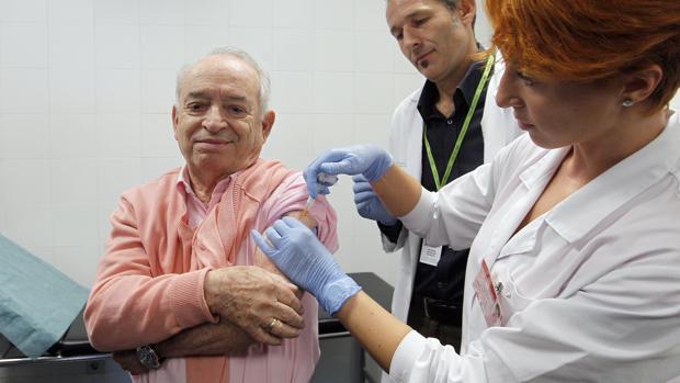 Comienza ya, aunque con diferencias por autonomías, la campaña de vacunación contra la gripe
