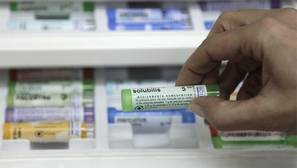 Los padres que recurren a la medicina alternativa para sus hijos también les vacunan menos