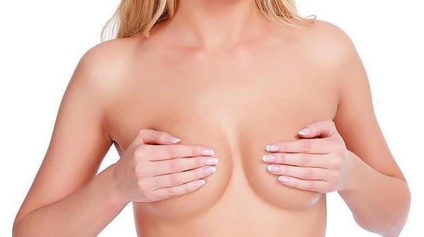 La mamografía a los 35 años pretende determinar el tipo de mama y su morfología