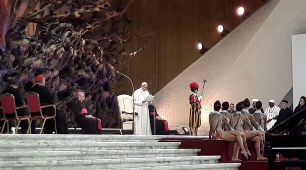 El Papa, Ban Ki-moon y el presidente del COI inauguran el congreso por la humanidad y la limpieza del deporte
