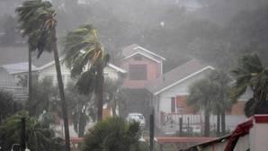 El huracán Matthew pierde fuerza en su avance hacia Carolina del Sur