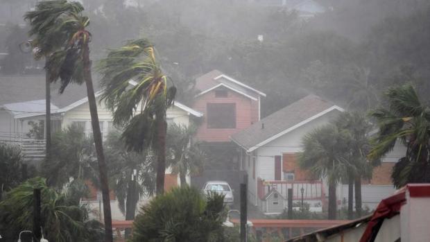El huracán Matthew a su paso por DAytona Beach, Florida