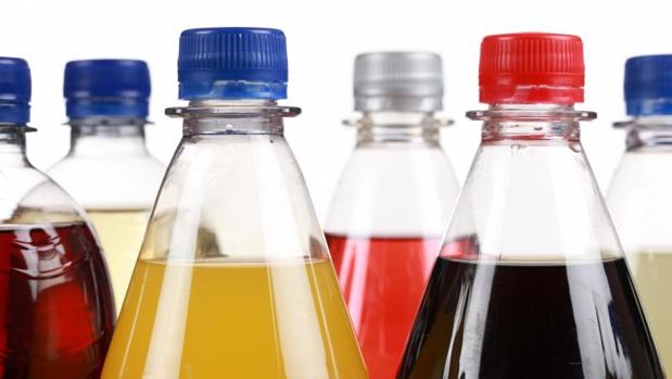 Algunos países como Reino Unido ya han establecido impuestos a los refrescos