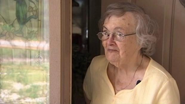 Claire Olsen, la abuela que recibió la pizza de su nieto para asegurarse de que estaba bien tras Matthew
