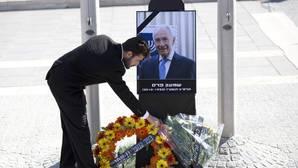 El presidente palestino Abás asistirá mañana al funeral de Simón Peres