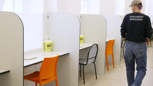 Instalaciones de la primera narcosala de Francia, inaugurada en el hospital Lariboisiere en París