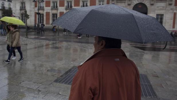 Hasta el miércoles, el paraguas será un complemento indispensable