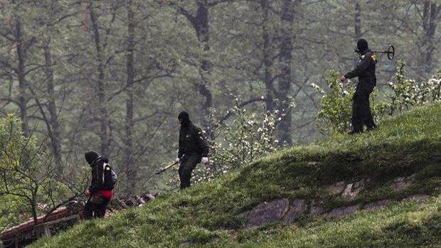 Localizan en Francia un arsenal de ETA con decenas de armas ocultas