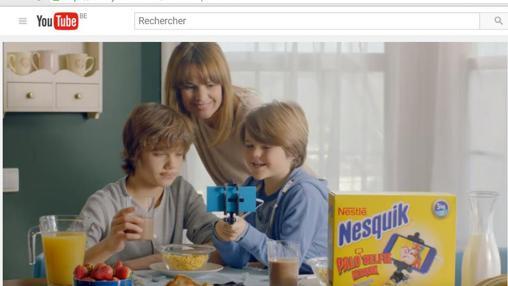 La asociación de consumidores critica que se regalen juguetes con los productos