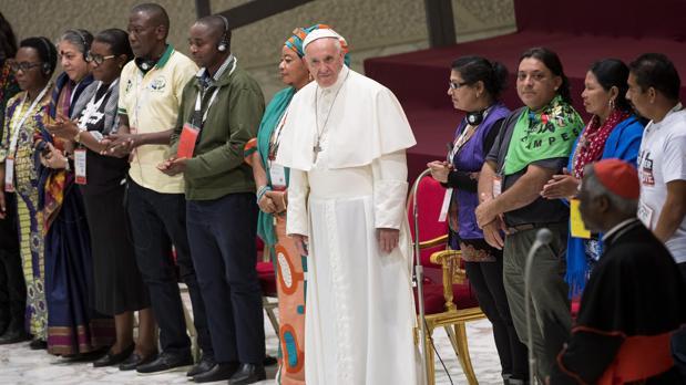 El Papa ha hecho estas declaraciones en el Encuentro Mundial de los Movimientos Populares, en el Vaticano