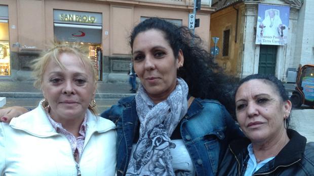 Salomé (izqda.), Rosa Mari y Guadalupe son internas de Picassent