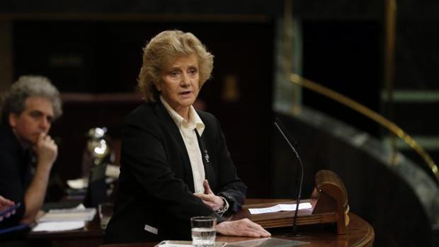 La Defensora del Pueblo, Soledad Becerril, ante el Congreso de los Diputados