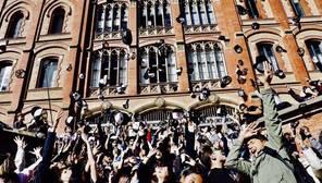 El proyecto educativo del Papa llega a Cataluña: 250 estudiantes piden cambiar el sistema
