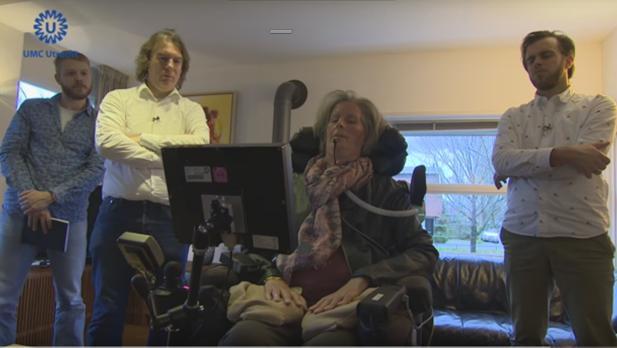 Bruijne es la primera persona con un implante cerebral para comunicarse