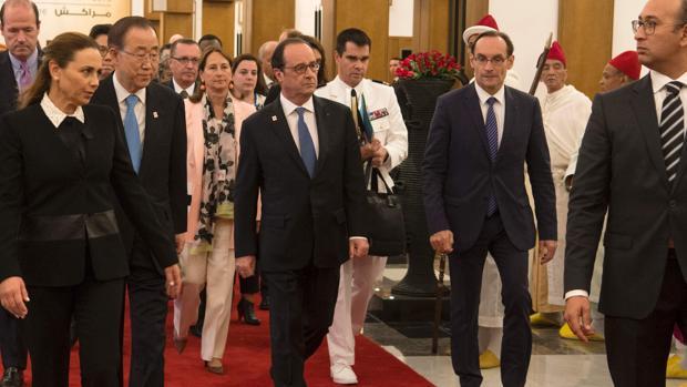 Ban Ki-moon y Hollande, en la cumbre del clima que se celebra en Marrakech