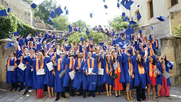 Ceremonia de graduación de la IE University