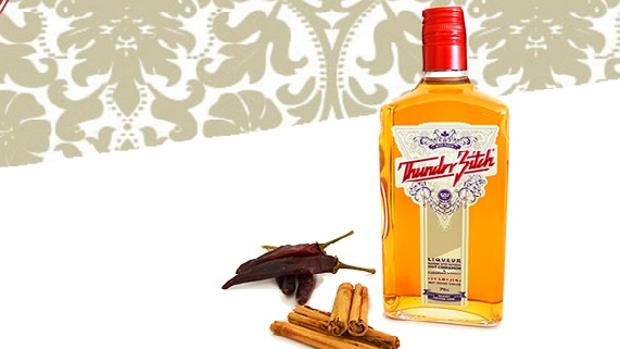 El «Thunder Bitch» es whisky canadiense, mezclado con chili y canela