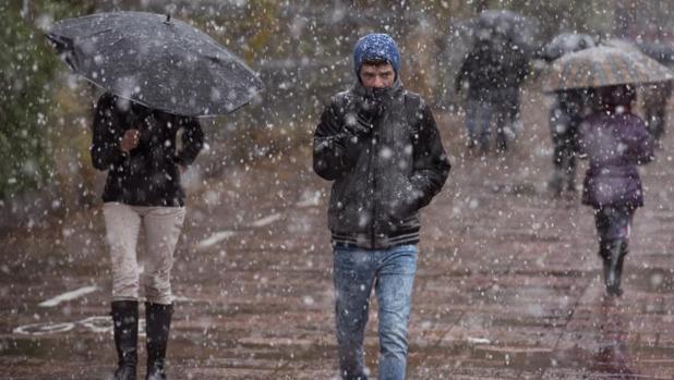 Esta mañana ha comenzado el primer temporal de nieve en Vitoria