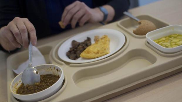 Un juez da la razón a una joven anoréxica que no quiere comer