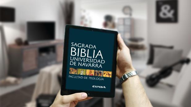 En papel esta Biblia supone cinco volúmenes de más de mil páginas cada uno, pero en su versión digital apenas ocupa 6,6 Mb