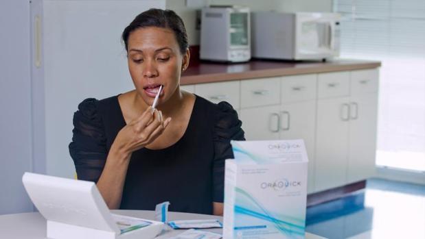 La prueba oral del VIH que puede practicarse en casa