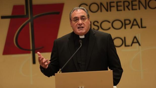 El portavoz de la CEE, José María Gil Tamayo