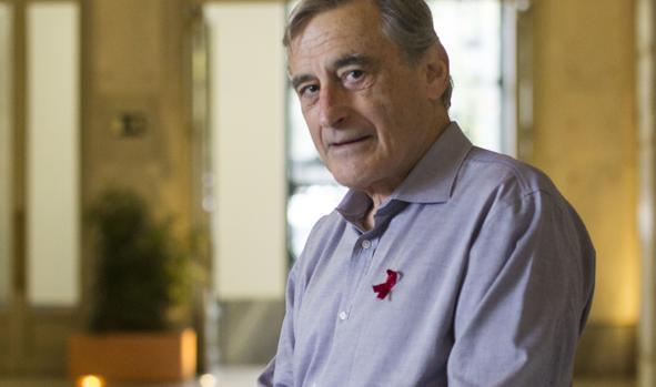El doctor Douglas Richman, en un momento de la entrevista en Madrid