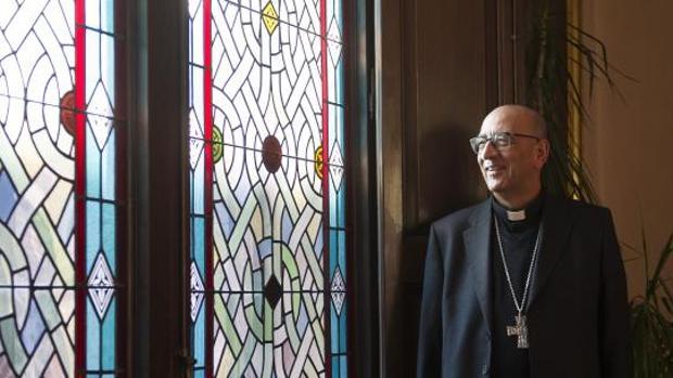Monseñor Juan José Omella durante la entrevista con ABC
