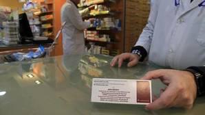 Una dosis de la vacuna contra la meningitis B dispensada en una farmacia