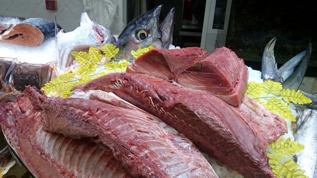 Una partida de atún comercializado en mal estado intoxica al menos a cuarenta personas