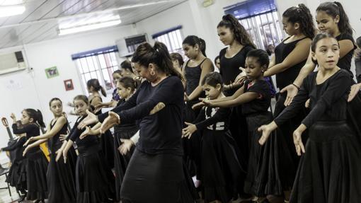 Las clases de baile de la maestra «Toromba»