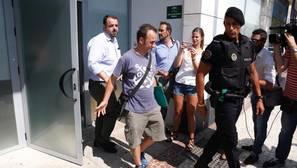 Francesco Arcuri, exmarido de Juana Rivas, sale el pasado miércoles 26 de julio del Punto de Encuentro Familiar donde no llegó su expareja a entregarle a sus hijos, como así había dictado la justicia