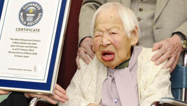 La japonesa Misao Okawa recibió en 2013, a los 114 años, el reconocimiento como la mujer más longeva del mundo