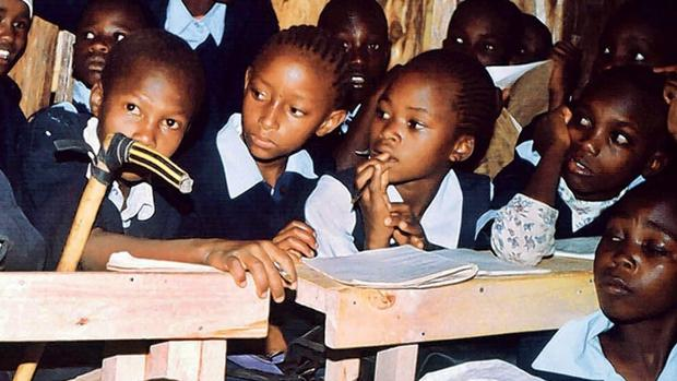 La presión por los recursos y la lucha por su control generan violencia, también escasez de escuelas, docentes y un empobrecimiento general de la población que vulnera el derecho a la educación