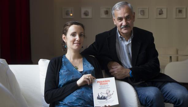 José María Bermúdez de Castro y su hija, la pediatra Elena presentan el libro «Pequeños pasos. Creciendo desde la prehistoria».