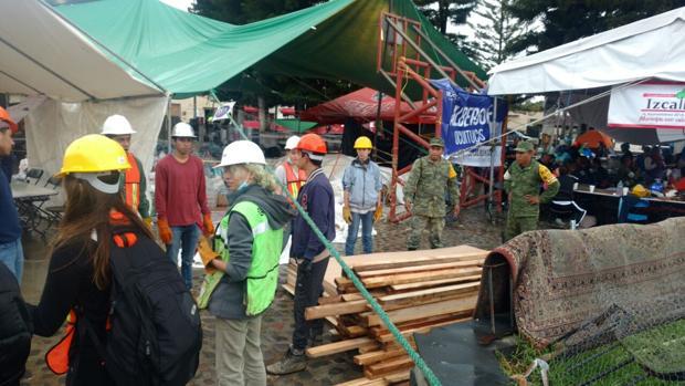 Trabajos de reconstrucción de las zonas devastadas por el terremoto