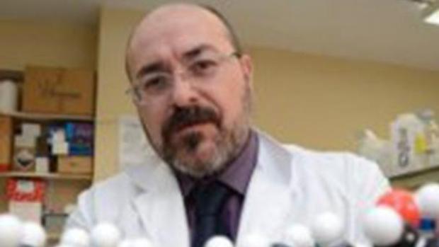 El catedrático Pablo Escribá