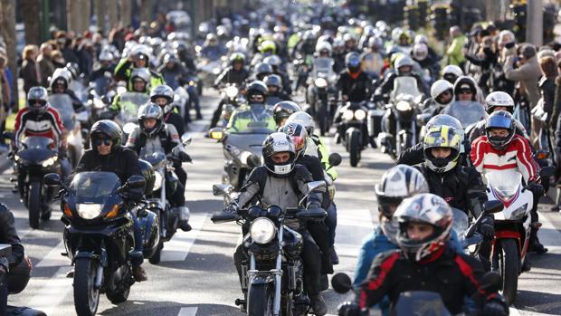El Congreso quiere que los motoristas tengan más medidas de protección pasiva