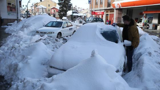 Paisajes nevados en los alrededores de la AP-6 Y la A-6 entre villacastin y san Rafael tras el paso del temporal de nieve del fin de semana