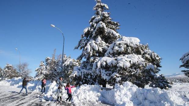 Paisajes nevados en los alrededores de la AP-6 Y la A-6 entre Villacastín y San Rafael tras el paso del temporal del fin de semana