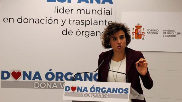 La ministra de Sanidad, Dolors Montserrat, durante la presentación del balance de trasplantes 2017
