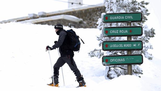 Un esquiador en Navacerrada