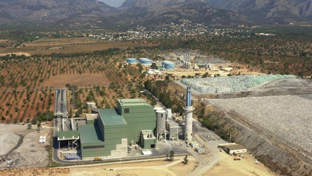 Vista aérea de la incineradora Son Reus en la isla de Mallorca