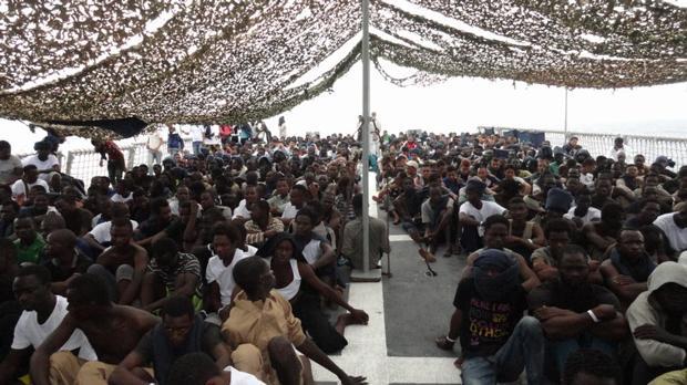 En 2016, la fragata Reina Sofía rescató decenas de inmigrantes frente a las costas de Libia
