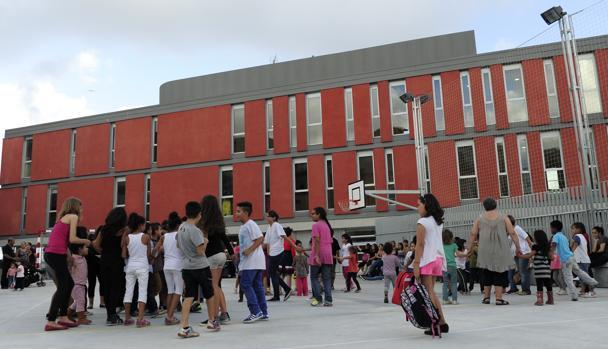 La escuela Mediterrànea de Barcelona estuvo más de diez años en barracones