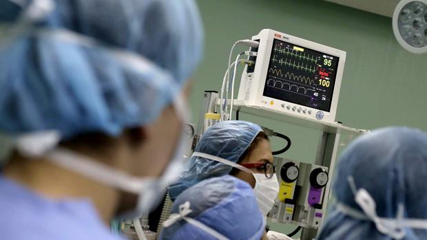 En Suiza no existe sistema sanitario público y sus habitantes están obligados a suscribir un seguro privado