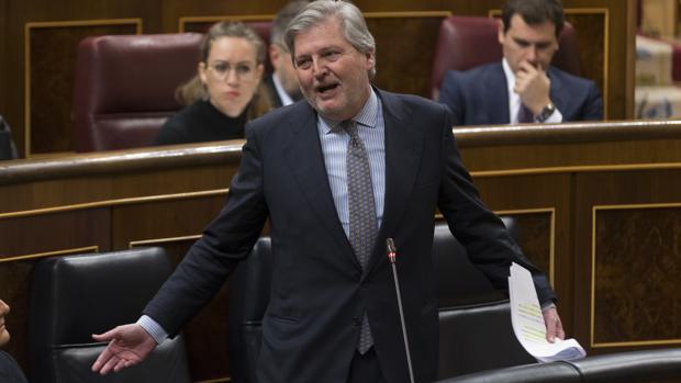 El ministro de Educación, Íñigo Méndez de Vigo, ayer en el Congreso
