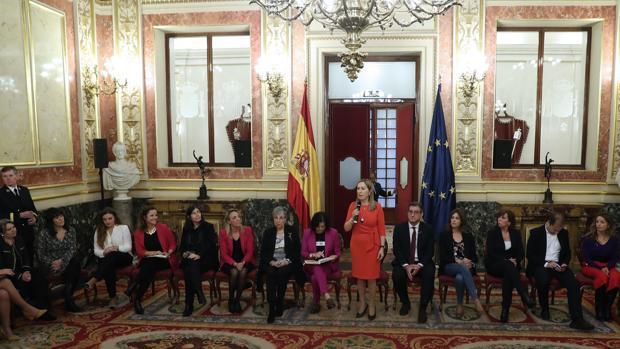 La presidenta del Congreso, Ana Pastor, durante su intervención en el coloquio organizado con motivo del «Día Internacional de la Mujer»