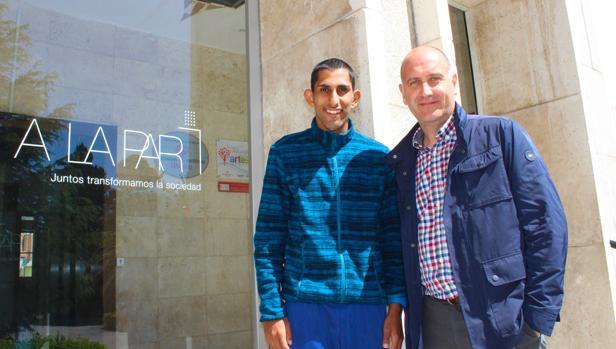 Stefan y Marcos, el entrenado (también por Fesser en la cinta) y entrenador de la Fundación A la Par